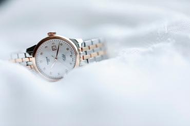 Bộ sưu tập đồng hồ Thụy Sỹ lịch lãm Tissot Le Locle phiên bản mới với kim cương